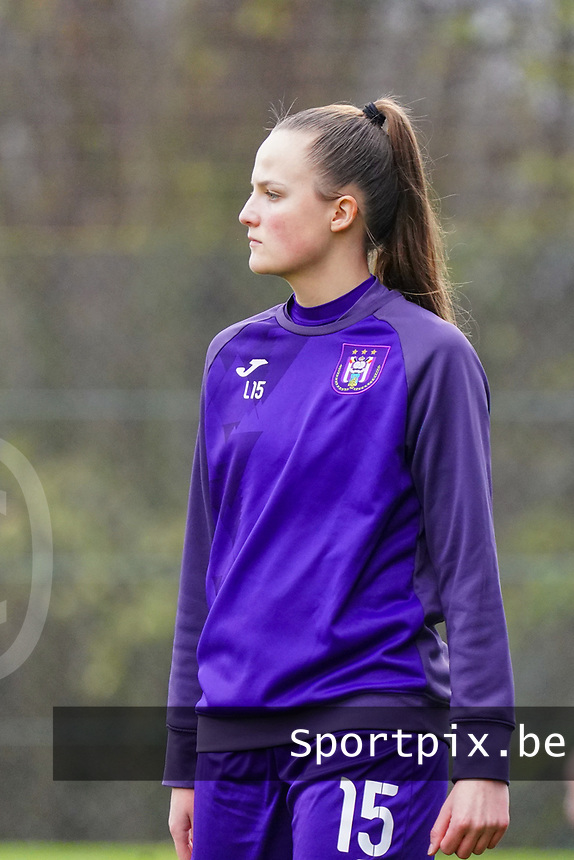 Marie Van Caesbroeck (15 Anderlecht) pictured during the warm up before a female soccer game between Standard Femina de Liege and RSC Anderlecht on the 9th matchday of the 2020 - 2021 season of Belgian Scooore Womens Super League , saturday 12 th of December 2020  in Angleur , Belgium . PHOTO SPORTPIX.BE | SPP | SEVIL OKTEM