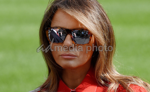 First lady Melania Trump walks from Marine One upon arrival on the South Lawn of the White House in Washington, DC, September 10, 2017, after spending the weekend at Camp David, the Presidential retreat near Thurmont, Maryland. Photo Credit: Olivier Douliery/CNP/AdMedia