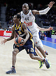Real Madrid's Marcus Slaughter (r) and Alba Berlin's Alex Renfroe during Euroleague match.March 12,2015. (ALTERPHOTOS/Acero)