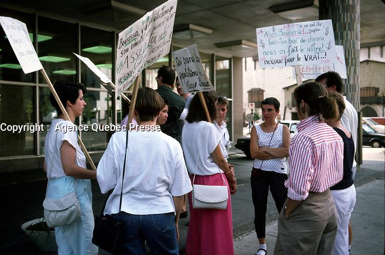 Infirmere en greve devant l'hopital Saint-Luc<br /> <br /> September 1989 File Photo<br /> <br />  - Nurses on strike at Saint-Luc Hospital