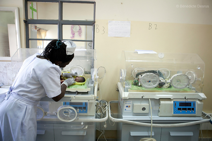 2011 - Juba, Republic of South Sudan - A midwife takes care of a newborn baby with complications at Neonatal Intensive Care Unit in Juba Teaching Hospital, South Sudan's oldest, and by far the largest and best-equipped in the new country. South Sudan has the highest maternal mortality rate in the world. One in seven South Sudanese women is likely to die because of complications from delivery. Just 10 per cent of South Sudanese women have access to medical professionals during childbirth. Photo credit: Benedicte Desrus
