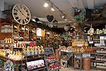 Germany, Baden-Wuerttemberg, Heidelberg: salesroom with alcoholic beverages and other souvenirs | Deutschland, Baden-Wuerttemberg, Heidelberg: Verkaufsraum mit  Wein, Spirituosen, Obstler und anderen Mitbringseln