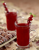 Warm Cranberry Holiday Cocktail