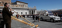 Papa Francesco saluta dalla papamobile un gruppo di  suonatori di corni alpini al termine dell'udienza generale del mercoledi' in Piazza San Pietro, Citta' del Vaticano, 19 aprile, 2017.<br /> Pope Francis greets a group of German Alpenhorn players from the popemobile at the end of his weekly general audience in St. Peter's Square at the Vatican, on April 19 2017.<br /> UPDATE IMAGES PRESS/Isabella Bonotto<br /> <br /> STRICTLY ONLY FOR EDITORIAL USE