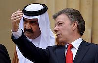 BOGOTA - COLOMBIA- 15-02-2013: Hamad Bin Khalifa Al Thani (L) Emir del Estado de Qatar, Juan Manuel Santos (R), Presidente de Colombia, dialogan en la casa de Nariño en Bogotá, febrero 15 de 2013. Al Thani se encuentra en Colombia en visita oficial por dos días. (Foto: VizzorImage / César Carrión / SIG)  PARA USO EDITORIAL UNICAMENTE. Hamad Bin Khalifa Al Thani (L) Emir of State of Qatar, Juan Manuel Santos (R), President of Colombia, speaks at the Presidential Palace in Bogota, February 15, 2013. Al Thani is in Colombia on an official visit for two days. (Photo: VizzorImage / César Carrión / SIG) FOR EDITORIAL USE ONLY...
