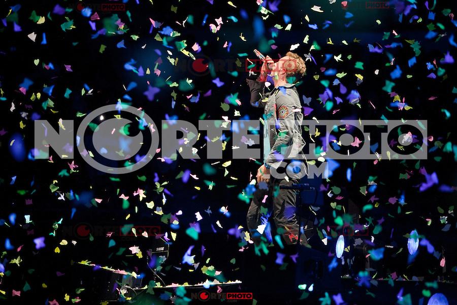 AUBURN HILLS, MI - AUGUST 1: Coldplay in concert at The Palace of Auburn Hills in Auburn Hills, Michigan. August 1, 2012. Credit MediaPunch Inc. /NortePhoto.com<br /> <br /> **SOLO*VENTA*EN*MEXICO**<br /> **CREDITO*OBLIGATORIO** <br /> *No*Venta*A*Terceros*<br /> *No*Sale*So*third*<br /> *** No Se Permite Hacer Archivo**<br /> *No*Sale*So*third*