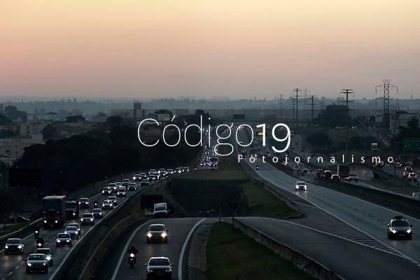 Campinas (SP), 02/06/2021 - Estradas - Movimentação na Rodovia Anhanguera, próximo a entrada da cidade de Campinas (SP) no Km 96, nesta quarta-feira (02), véspera de feriado de Corpus Christi.