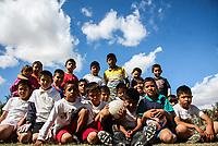 EL equipo de futbol de la colonia Cafe combate en la categoria mini  infantil jugo esta mañana aun sin uniforme y si no los consigue no podran jugar mas en el torneo