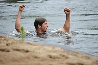 FIERJLEPPEN: JOURE: 18-06-2014, Thewis Hobma wint, ©foto Martin de Jong FIERLJEPPEN: FRYSLÂN: Historie, ©foto Martin de Jong