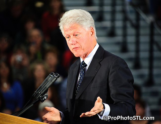 President Clinton rally in Kirkwood, MO on Oct 20, 2008.
