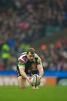 Nick Evans of Harlequins prepares to take a penalty kick during the Aviva Premiership match between Harlequins and London Irish at Twickenham on Saturday 29th December 2012 (Photo by Rob Munro).