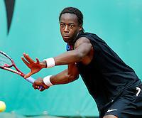 4-6-06,France, Paris, Tennis , Roland Garros, Gael Monfils in zijn partiji tegen Blake