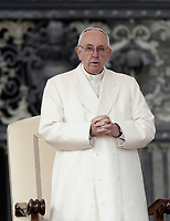 Papa Francesco tiene l'udienza generale del mercoledi' in Piazza San Pietro, Citta' del Vaticano, 31 gennaio, 2018.<br /> Pope Francis leads his weekly general audience in St. Peter's Square at the Vatican, on January 31, 2018.<br /> UPDATE IMAGES PRESS/Isabella Bonotto<br /> <br /> STRICTLY ONLY FOR EDITORIAL USE
