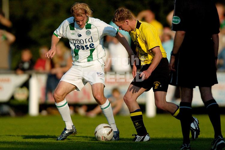 veelerveen - groningen voorbereiding seizoen 2007-2008 17-07-2007 frederik stenman in duel