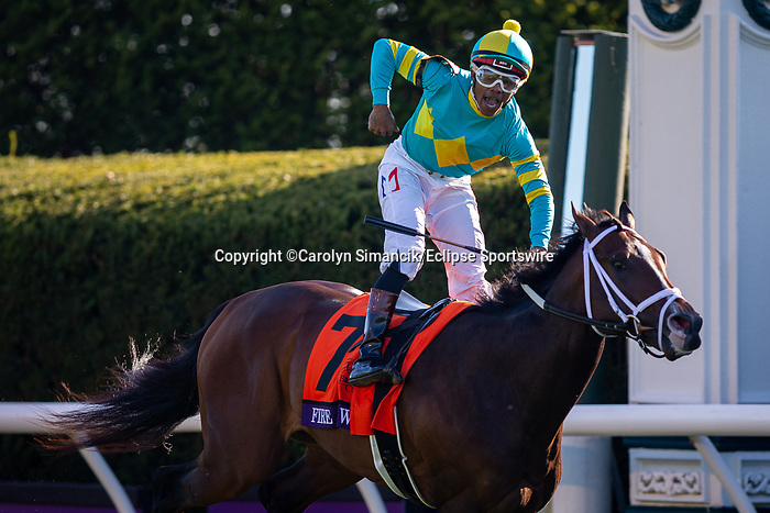 November 6, 2020: Fire at Will, ridden by Ricardo Santana, Jr., wins the Juvenile Turf Presented By Coolmore America on Breeders' Cup Championship Friday at Keeneland on November 6, 2020: in Lexington, Kentucky. Carolyn Simancik/Breeders' Cup/Eclipse Sportswire/CSM