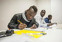 a Como, presso la parrocchia di Rebbio e di Sant'Orsola, sono attivi i corsi di italiano per stranieri.