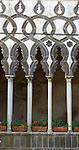 Italy, Campania, Ravello: Villa Rufolo. Arches of Il Chiostro (Moorish courtyard) | Italien, Kampanien, Ravello: Maurischer Innenhof in der Villa Rufolo