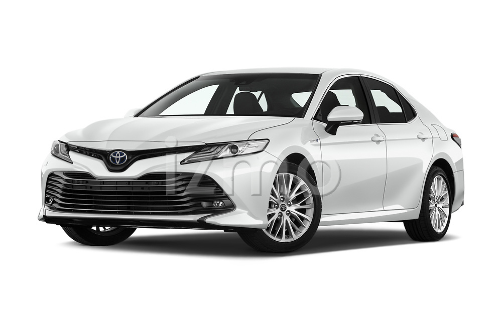 Stock pictures of low aggressive front three quarter view of 2019 Toyota Camry Premium 4 Door Sedan Low Aggressive