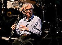 Il regista statunitense Woody Allen col suo clarinetto durante un concerto con la sua New Orleans Jazz Band all'Auditorium di Roma, 31 marzo 2010..U.S. movie director Woody Allen holds his clarinet during a concert with his New Orleans Jazz Band at Rome's Auditorium, 31 march 2010..UPDATE IMAGES PRESS/Riccardo De Luca