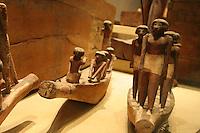 ITALIA - Torino - Museo Egizio  Corredi provenienti dalle tombe private di Asiut , appartenenti ad alti dignitari vissuti tra il Primo Periodo Intermedio e gli inizi del Medio Regno (2100-1900 a.C. ca) statue raffiguranti modelli di imbarcazioni e marinai egiziani *** Local Caption ***