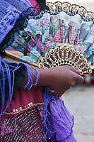 Europe/France/13/Bouches du Rhone/Camargue/Parc Naturel Régionnal de Camargue/Saintes Maries de la Mer: Tzigane lors du Pèlerinage des Gitans, Procession à la mer de Sainte Marie Jacobé et Sainte Marie Salomé
