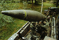 """- US Army, nuclear tactical missile """"Lance"""" during NATO exercises in Germany....- US Army, missile nucleare tattico """"Lance"""" durante esercitazioni NATO in Germania"""