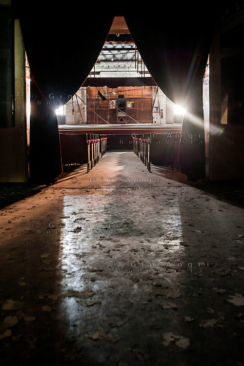 cinema teatro Politeama di Como abbandonato dall'inizio del 2000