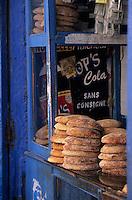Afrique/Maghreb/Maroc/Essaouira : Etal d'un boulanger dans la Médina