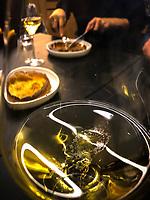 Europe/France/ Basse Normandie/ 14/Calvados/ Honfleur:  Soirée Anniversaire de Vénus au Restaurant Saquana-Pascade à l'Huile de  Truffe Noire  et champagne AOP - Recette d' Alexandre Bourdas //Europe / France / Lower Normandy / 14 / Calvados / Honfleur: Venus Birthday Party at Restaurant Saquana-Pascade with Black Truffle Oil and PDO Champagne - Recipe by Alexandre Bourdas