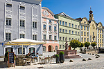 Deutschland, Oberbayern, Burghausen an der Salzach: Café am Stadtplatz in der Altstadt   Germany, Upper Bavaria, Burghausen at river Salzach: café in old town at Town Square