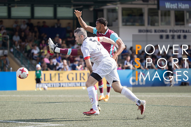West Ham United (in purple) vs Yau Yee League Select (in white), during their Main Tournament match, part of the HKFC Citi Soccer Sevens 2017 on 27 May 2017 at the Hong Kong Football Club, Hong Kong, China. Photo by Chris Wong / Power Sport Images