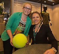 12-02-14, Netherlands,Rotterdam,Ahoy, ABNAMROWTT, Esther Vergeer(NED) Signing autographs<br /> Photo:Tennisimages/Henk Koster