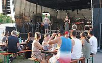 Trebur 08.08.2020: Treburer Kultursommer<br /> Begrüßung von Michele Kreuter und Bürgermeister Jochen Engel<br /> Foto: Vollformat/Marc Schüler, Schäfergasse 5, 65428 R'heim, Fon 0151/11654988, Bankverbindung KSKGG BLZ. 50852553 , KTO. 16003352. Alle Honorare zzgl. 7% MwSt.