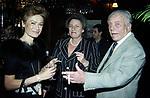CARLA MARTINO, COCO E MARILU' GAETANI D'ARAGONA<br /> COMPLEANNO ELSA MARTINELLI AL JEFF BLYNN'S   ROMA 2000