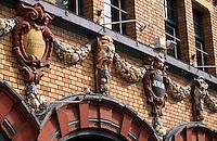 """Europe/France/Nord-Pas-de-Calais/59/Nord/Lille: Place du Rihour - Détail de la façade de la brasserie """"Jenlain"""""""