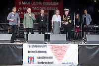 """Tausende Menschen kamen am Samstag den 9. Mai 2015 zum zu einer Feier unter dem Motto """"Wer nicht kaempft hat verloren"""" in Gedenken an den 70. Jahrestag der Befreiung Deutschlands vom Nationalsozialismus und der Kapitulation des NS-Regime in den Treptower Park, nahe dem sowjetischen Ehrenmal.<br /> Im Bild: Polnische Veteranen die 1945 an den Kaempfen in Berlin beteiligt waren.<br /> 9.5.2015, Berlin<br /> Copyright: Christian-Ditsch.de<br /> [Inhaltsveraendernde Manipulation des Fotos nur nach ausdruecklicher Genehmigung des Fotografen. Vereinbarungen ueber Abtretung von Persoenlichkeitsrechten/Model Release der abgebildeten Person/Personen liegen nicht vor. NO MODEL RELEASE! Nur fuer Redaktionelle Zwecke. Don't publish without copyright Christian-Ditsch.de, Veroeffentlichung nur mit Fotografennennung, sowie gegen Honorar, MwSt. und Beleg. Konto: I N G - D i B a, IBAN DE58500105175400192269, BIC INGDDEFFXXX, Kontakt: post@christian-ditsch.de<br /> Bei der Bearbeitung der Dateiinformationen darf die Urheberkennzeichnung in den EXIF- und  IPTC-Daten nicht entfernt werden, diese sind in digitalen Medien nach §95c UrhG rechtlich geschuetzt. Der Urhebervermerk wird gemaess §13 UrhG verlangt.]"""