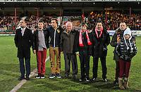 KV Kortrijk - KV Mechelen : de matchbalschenkers en  Vincent Van Quickenborne voor de aftrap in een minuut stilte.foto VDB / BART VANDENBROUCKE
