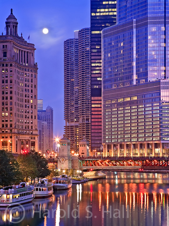 Trump Tower reflects the glow of the early sunrise in Chicago, Illinois.