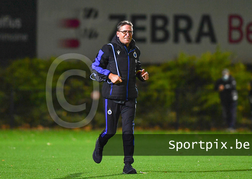 Brugge's delegate Francky Dryepondt pictured during a female soccer game between Sporting Charleroi and Club Brugge YLA on the fourth matchday of the 2020 - 2021 season of Belgian Scooore Womens Super League , friday 9 nd of October 2020  in Marcinelle , Belgium . PHOTO SPORTPIX.BE | SPP | DAVID CATRY