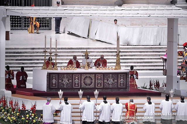 Pope Francis   during  the holy mass of Pentecost Sunday at St Peter's square in Vatican. on 4 June 2017