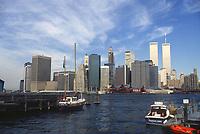 - New York, skyline of Manhattan in 1985 with the twin towers of the World Trade Center, destroyed in the terroristic attack of the 11 september 2001 <br /> <br /> - New York, skyline di Manhattan nel 1985 con le torri gemelle del World Trade Center, distrutte nell'attentato terroristico dell'11 settembre 2001