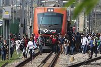 13.09.2018 - Cabo de energia causa problemas na Linha 9 Esmeralda da CPTM em SP