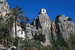 Spain, Province Alicante, El Castell de Guadalest: San Jose gate and Bell Tower of the mountain village | Spanien, Provinz Alicante, El Castell de Guadalest: San Jose Tor und Glockenturm