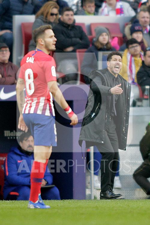 Club Atletico de Madrid's Saul Niguez (L) and coach Diego Pablo Cholo Simeone during La Liga match. December,8,2018. (ALTERPHOTOS/Alconada)