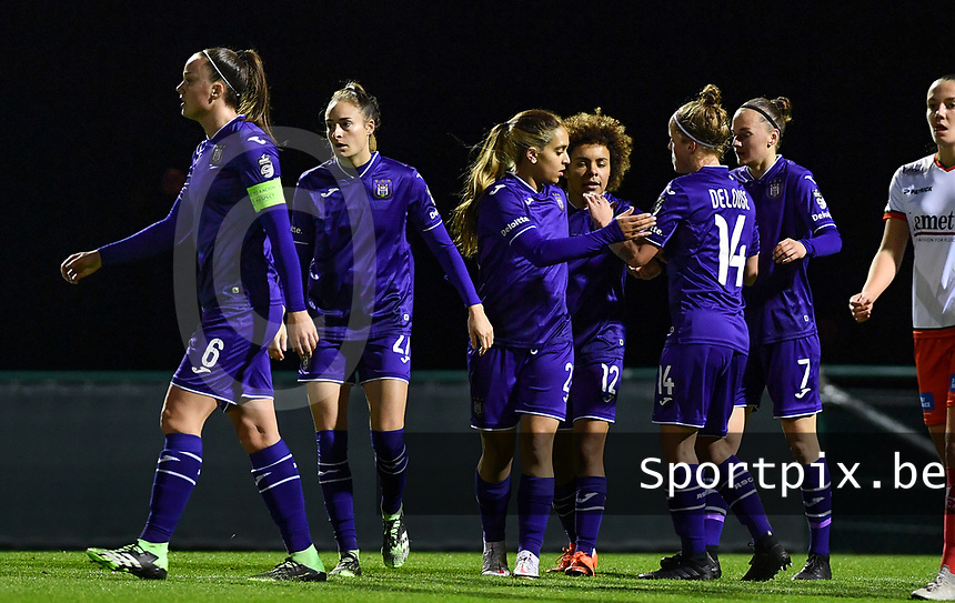 Anderlecht's players pictured celebrating after scoring a goal during a female soccer game between RSC Anderlecht Dames and SV Zulte Waregem on the 10 th matchday of the 2020 - 2021 season of Belgian Womens Super League , friday 18 th of December 2020  in Tubize , Belgium . PHOTO SPORTPIX.BE   SPP   DAVID CATRY