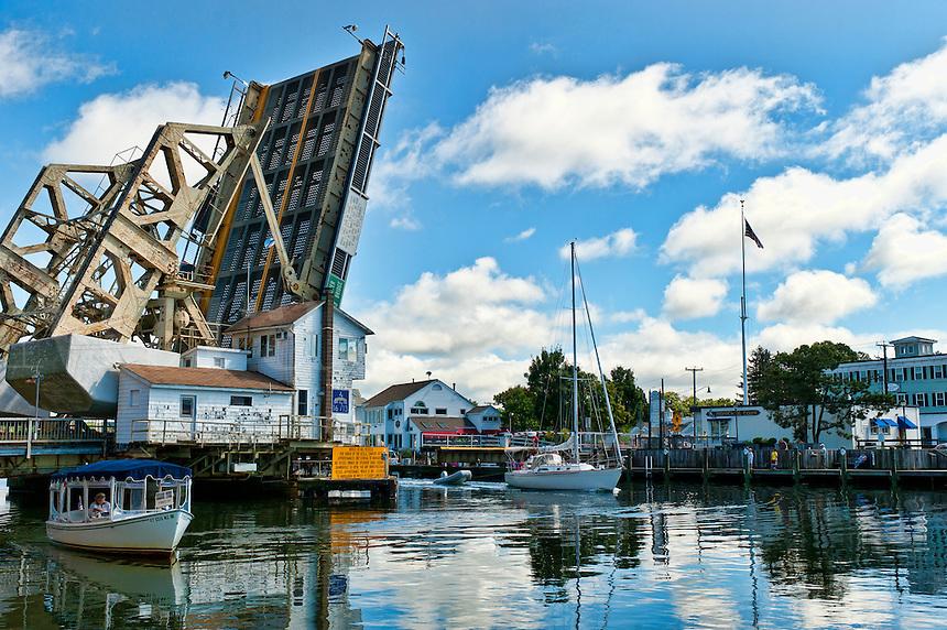 Draw bridge, mystic harbor, Mystic, Ct, USA