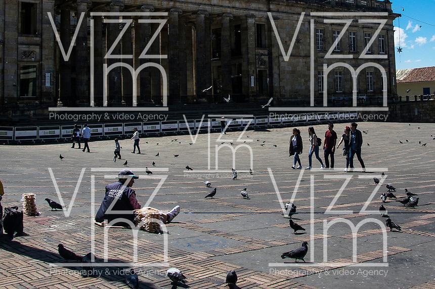 BOGOTA - COLOMBIA, 01-01-2019: En el primer día del año, la capital amanece un poco sola, para lo que se acostumbra a ver. /In the first day of the year the capital downs a bit lonelier, for what its customary to see  . Photo: VizzorImage / Nicolas Aleman / Cont