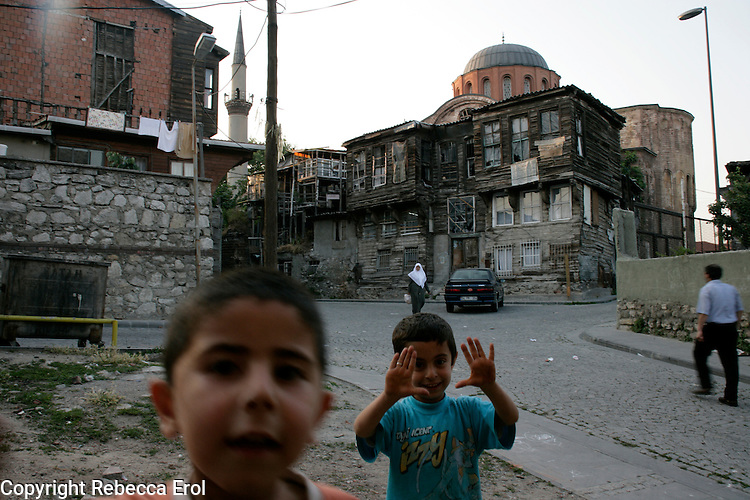 Children in the Zeyrek neighbourhood of Istanbul, Turkey