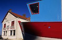 Europe/France/Pays de la Loire/44/Loire-Atlantique/Paimboeuf: Le café du phare