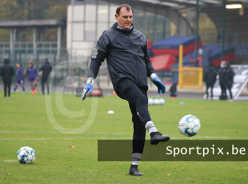 Goalkeeper coach Frank Verwimp (Woluwe) pictured before  a female soccer game between FC Femina WS Woluwe and RSC Anderlecht Women on the eight match day of the 2020 - 2021 season of Belgian Women's Super League , Sunday 22nd of November 2020  in Woluwe, Belgium . PHOTO SPORTPIX.BE | SPP | SEVIL OKTEM
